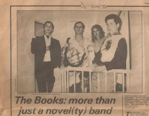 PHOTOGRAPH OF LYNDA & THE BAND CALLED 'THE BOOKS'